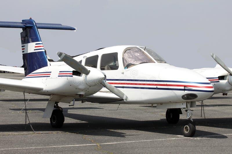 Piccolo aereo sulla rampa fotografia stock