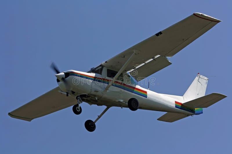 Piccolo aereo volante fotografie stock libere da diritti