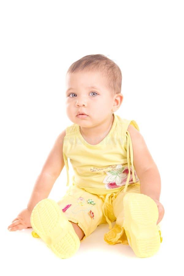 Download Piccolo bambino fotografia stock. Immagine di ragazzo - 56885912