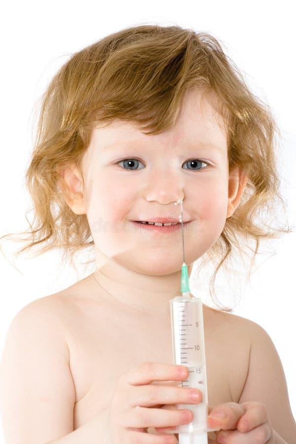 Piccolo bambino in un ospedale immagini stock