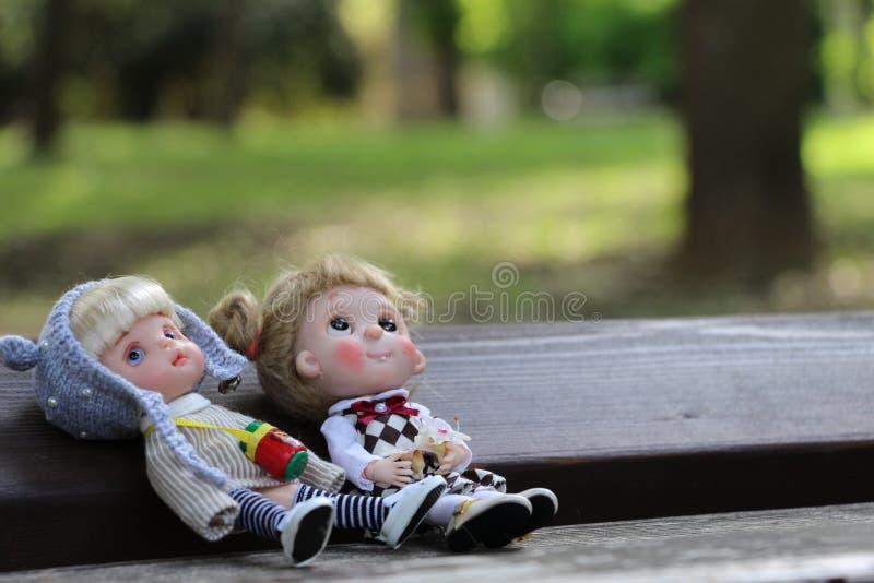 Piccolo bambole inoltre ha un cuore immagini stock