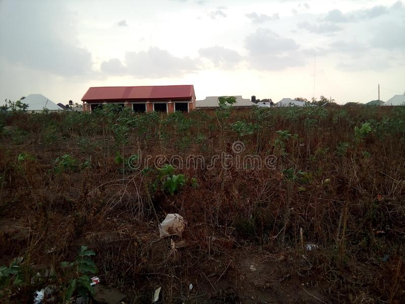 Piccolo centro commerciale nella disposizione a Abuja, Nigeria fotografia stock libera da diritti