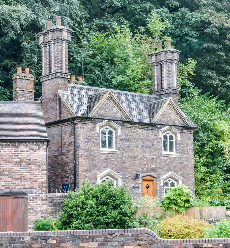 Piccolo cottage di pietra inglese immagine stock for Foto di cucina inglese cottage