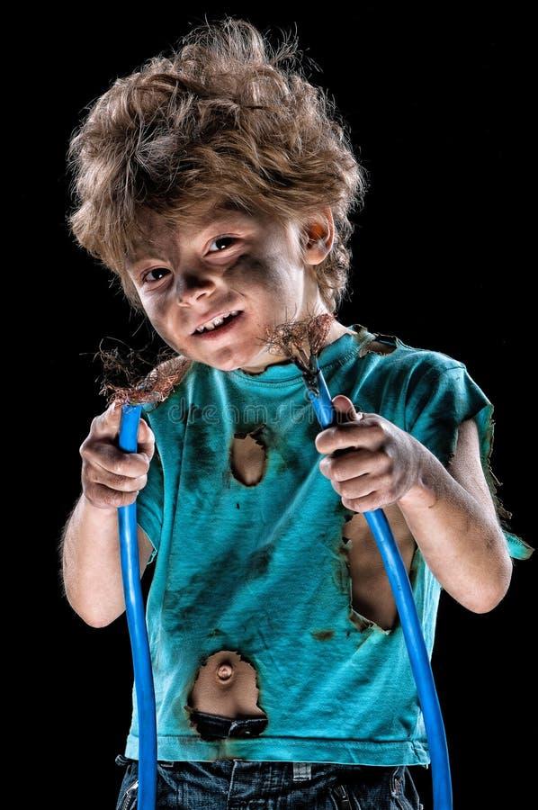 Piccolo elettricista pazzo sopra il nero fotografia stock libera da diritti