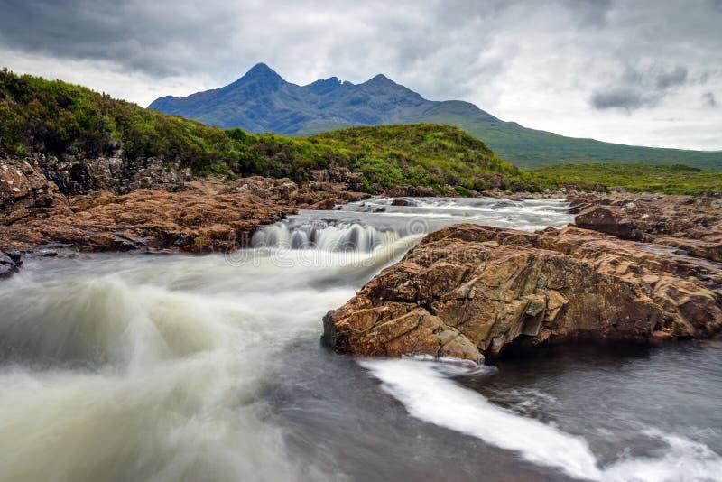 Piccolo fiume sull'isola di Skye fotografia stock libera da diritti