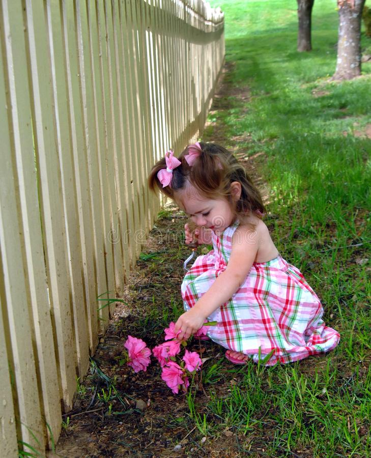 Piccolo giardiniere felice fotografia stock libera da diritti