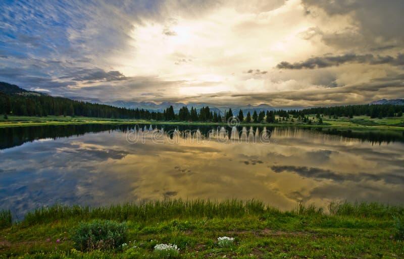 Piccolo lago molas nel San Juan Mountains in Colorado fotografia stock libera da diritti