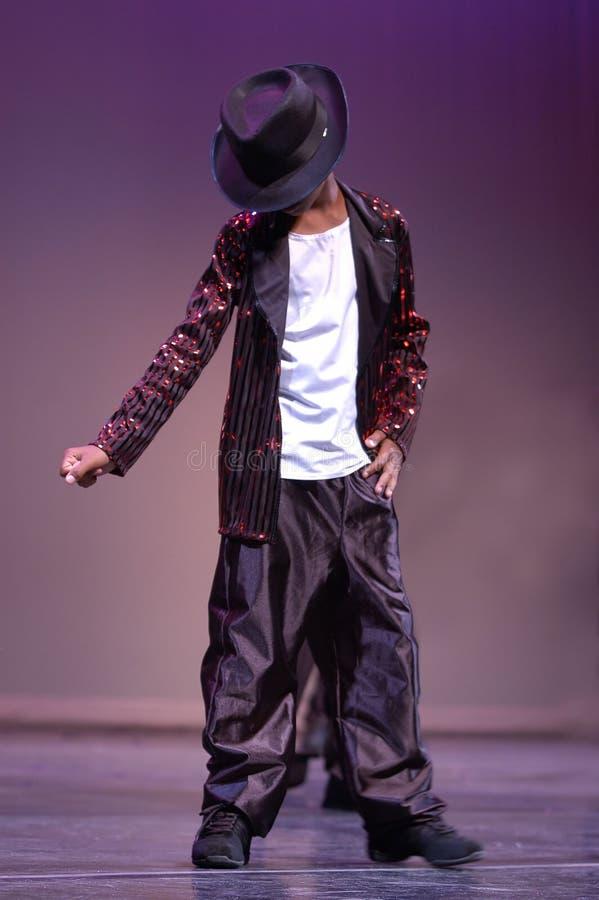 Download Piccolo Micheal Jackson immagine stock. Immagine di prestazioni - 217501