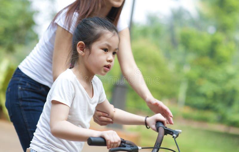 Piccolo motociclista immagini stock libere da diritti