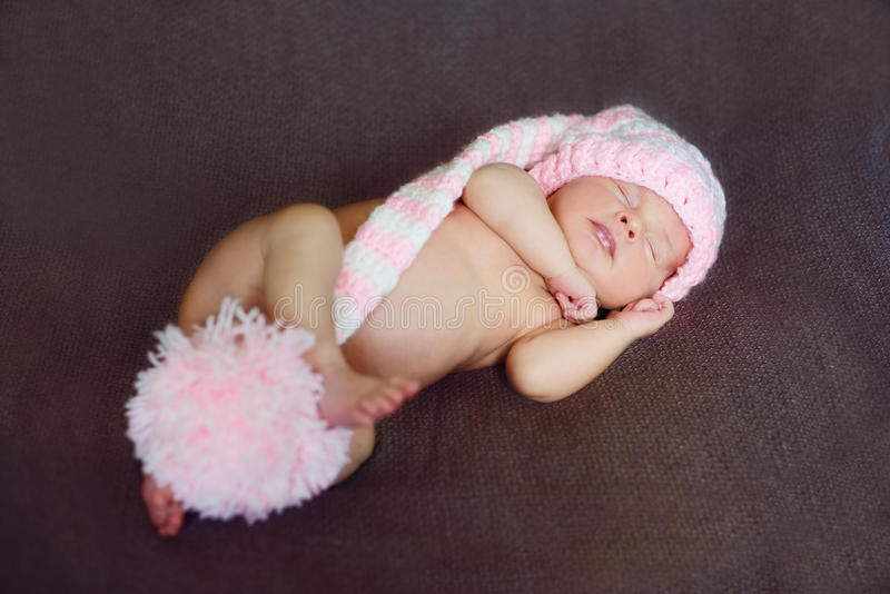 Piccolo neonato sveglio fotografia stock libera da diritti