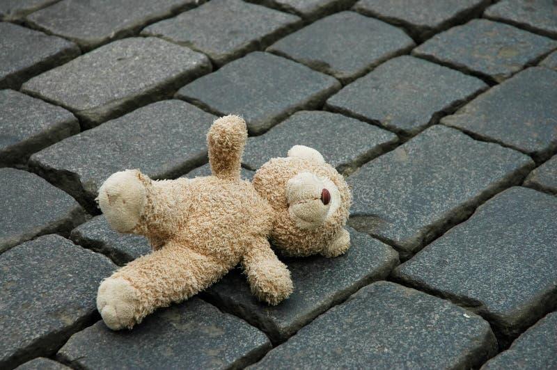 Piccolo orsacchiotto-sopporta immagine stock