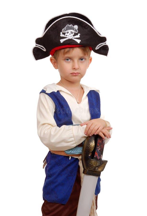 Piccolo ragazzo nel costume del pirata immagine stock