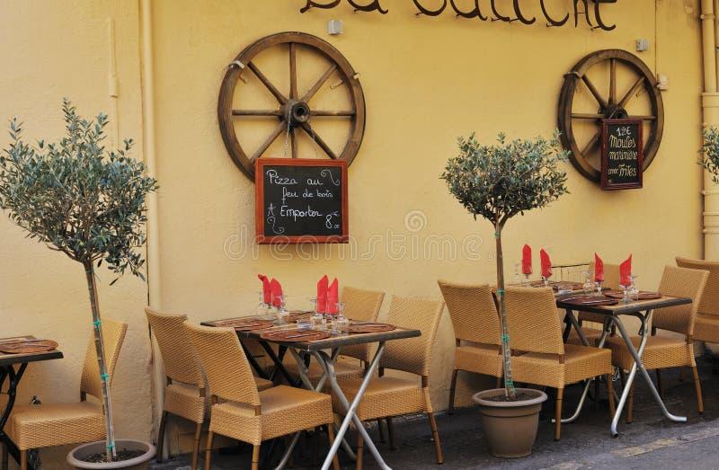Piccolo ristorante a Aix-en-Provence fotografia stock