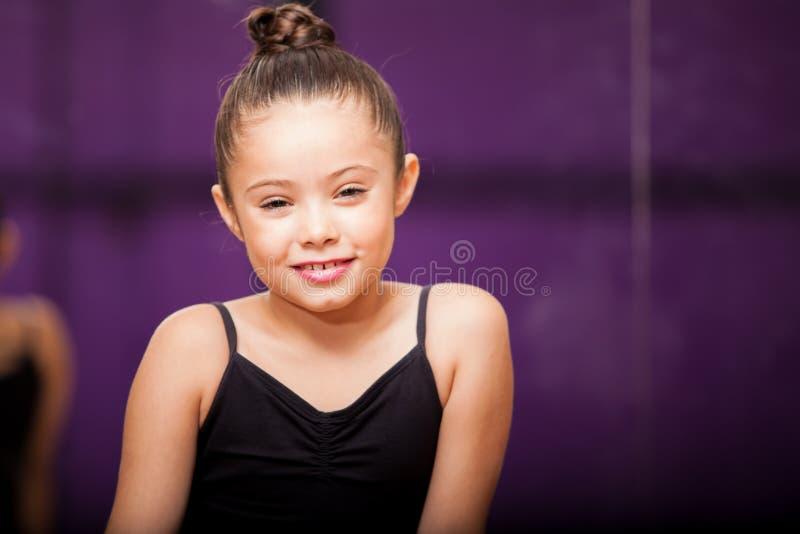 Piccolo sorridere sveglio del ballerino fotografia stock