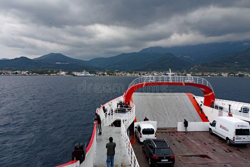 Piccolo traghetto veicolare greco fotografie stock libere da diritti