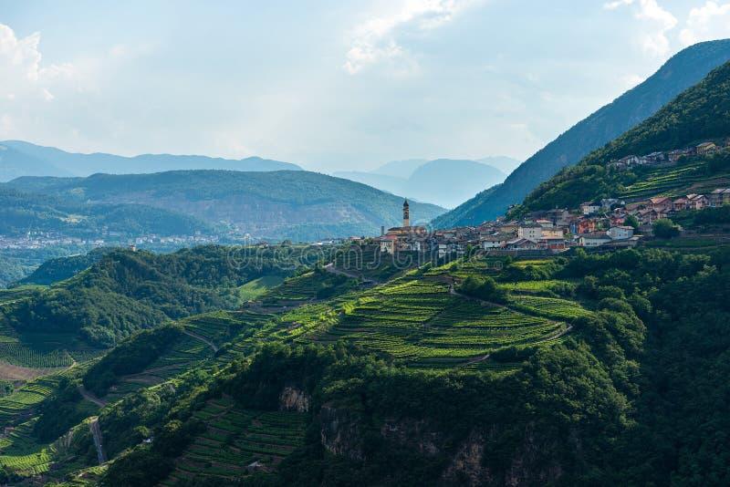 Piccolo villaggio di Faver - Trentino Alto Adige Italy immagine stock
