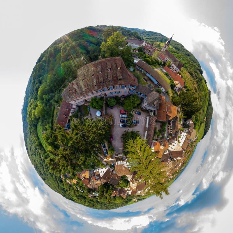 Piccolo vista sferica del pianeta di piccolo villaggio Andlau, l'Alsazia fotografie stock libere da diritti