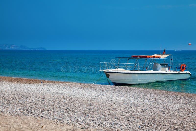 Piccolo yacht per l'escursione fotografia stock