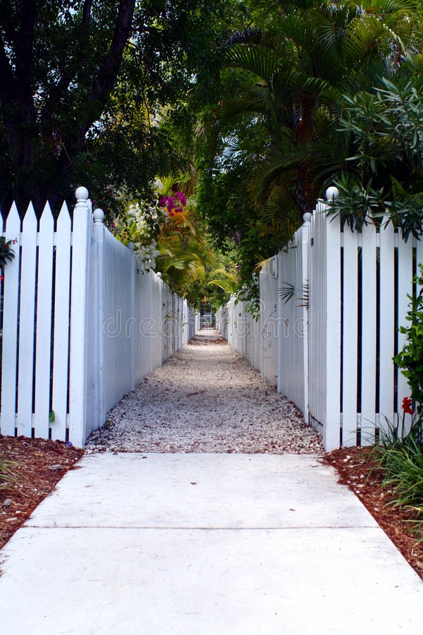 Download Picket Fence Walkway Stock Image - Image: 5548111