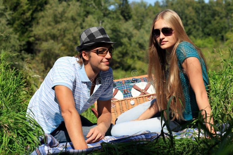 Picknick auf Sommer stockfotos