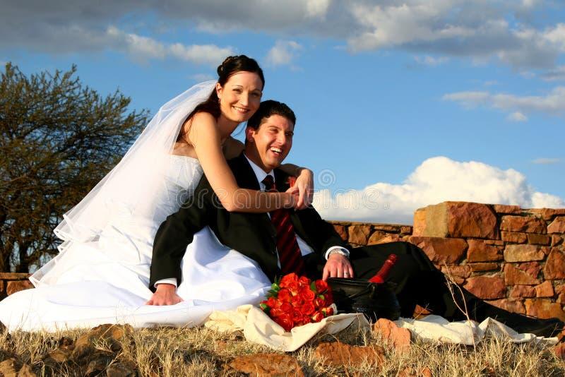 picknicken gifta sig arkivfoto