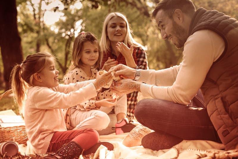 Picknicks wurden für Herbst gemacht lizenzfreie stockbilder