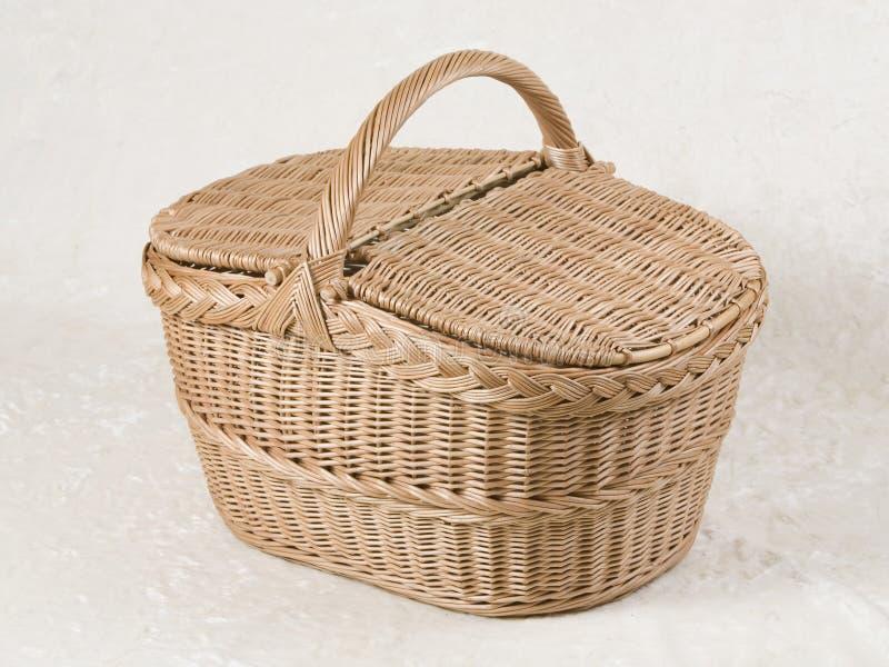 Picknickweidenkorb stockbild