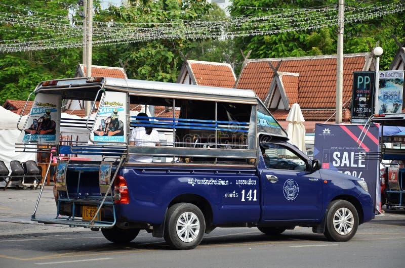 Pickup samochodowi pojazdy w mieście Pattaya zdjęcia stock