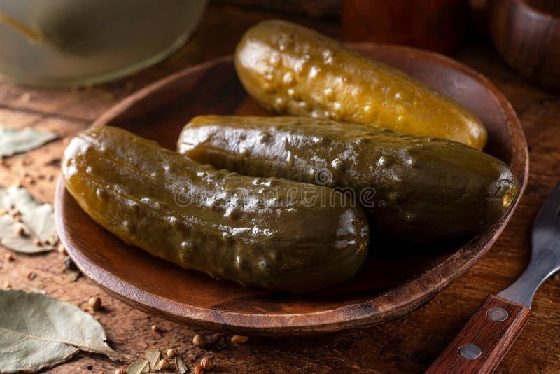 Picles de Kosher Dill Fermentados imagens de stock royalty free