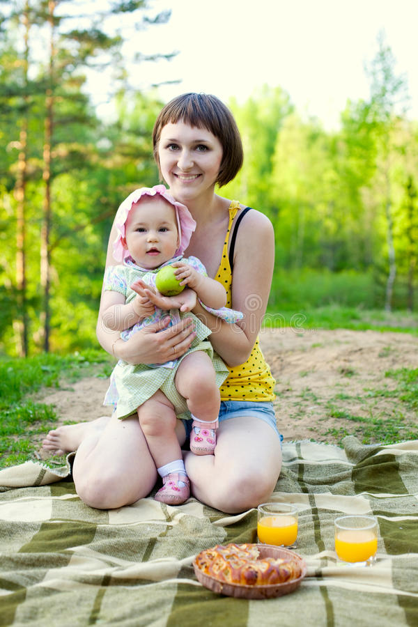 picnic φύσης στοκ φωτογραφίες με δικαίωμα ελεύθερης χρήσης