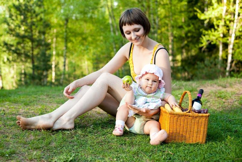 picnic φύσης στοκ φωτογραφία με δικαίωμα ελεύθερης χρήσης