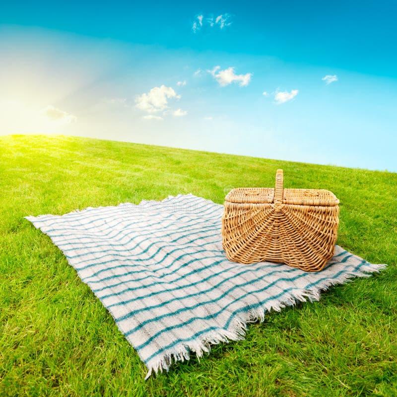 Free Picnic Blanket & Basket Royalty Free Stock Photos - 23037798