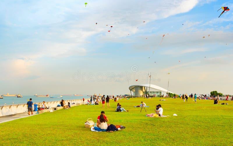 Picnic Marina Barrage, Singapore della gente fotografia stock libera da diritti
