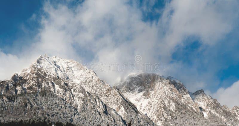 Pico de Caraiman imágenes de archivo libres de regalías