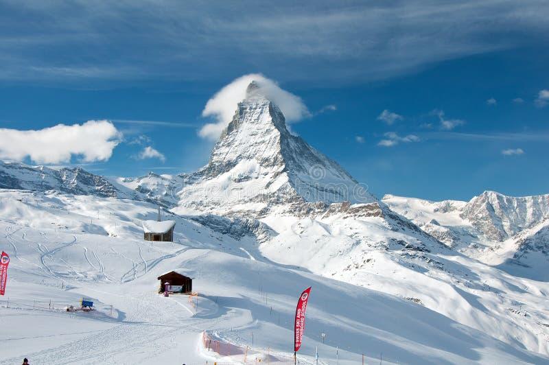 Pico de Cervino en Suiza imagenes de archivo