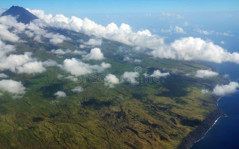 Pico de Fogo y nubes imagen de archivo libre de regalías