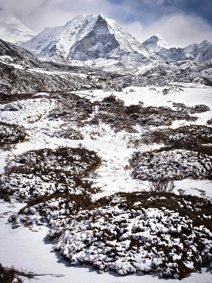 Pico de la isla, también conocido como EET de Imja, en el Nepal Himalaya imagen de archivo