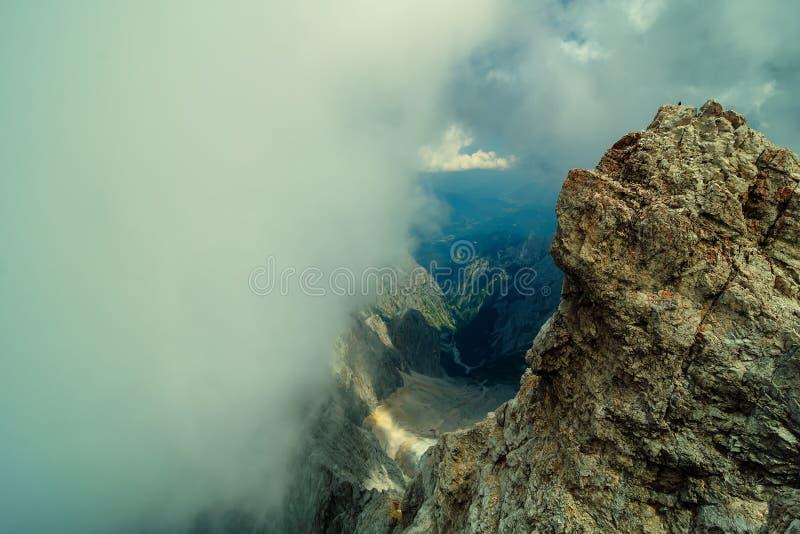 Pico de la montaña más alta Zugspitze cerca de Garmisch Partenkirchen Baviera, Alemania imagen de archivo libre de regalías