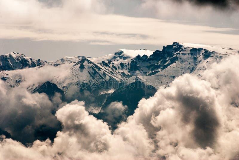 Pico de montañas de Bucegi fotografía de archivo