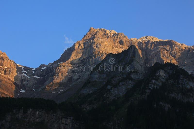 Pico del soporte Glaernisch en la puesta del sol, Suiza imagen de archivo libre de regalías