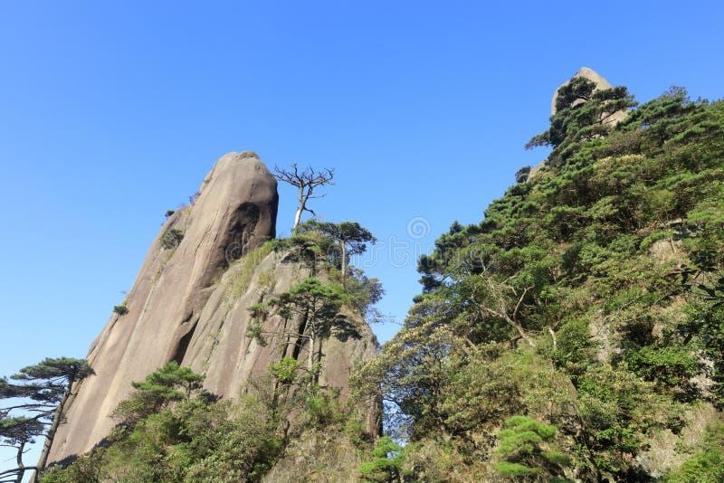 Pico enorme de la montaña sanqingshan, adobe rgb de la roca foto de archivo libre de regalías