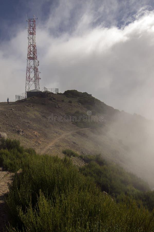 Pico font le sentier de randonnée d'Arieiro, le paysage magique étonnant avec des vues incroyables, les roches et la brume, stati photo stock