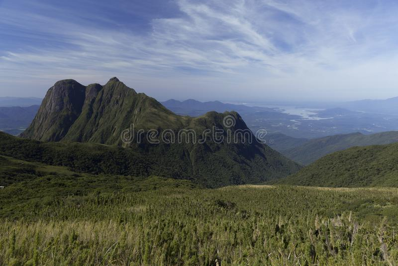 Pico Parana berg nära Curitiba - Serra gör Ibitiraquire fotografering för bildbyråer