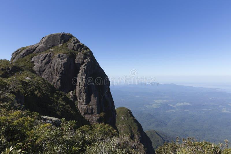 Pico Parana berg nära Curitiba - Serra gör Ibitiraquire royaltyfria bilder