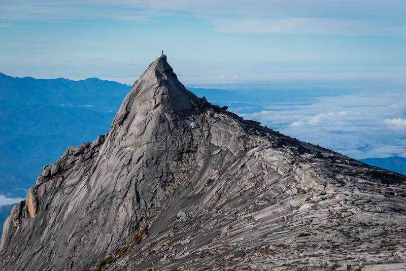 Pico sul da montanha de Kinabalu na ilha de Boneo, Sabah, Malásia fotos de stock royalty free