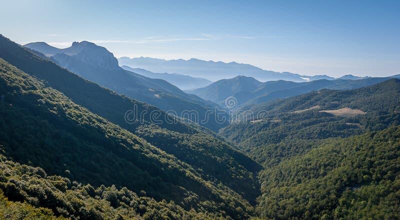 Picos de Europa du point de vue de Piedrasluengas dans la montagne de Palencia images libres de droits