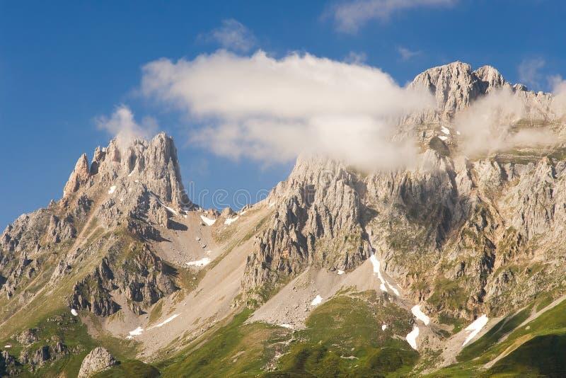 Picos de Europa nationalpark, Leon arkivfoton