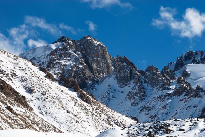 Picos de montaña de Hight fotos de archivo libres de regalías