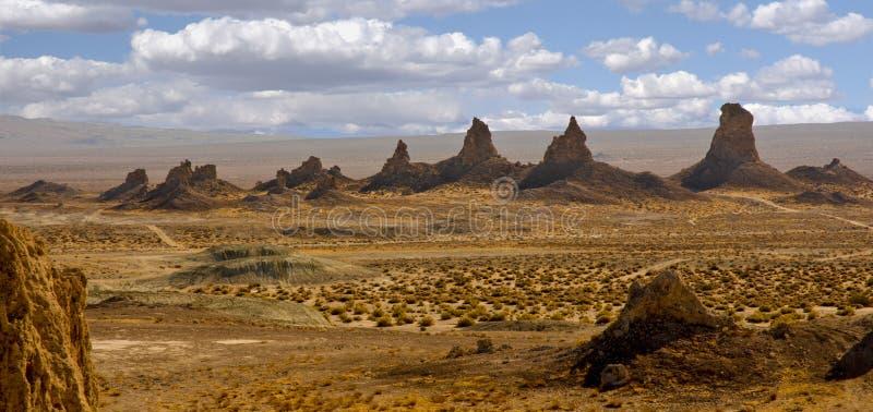 Picos dos pináculos do Trona fotografia de stock