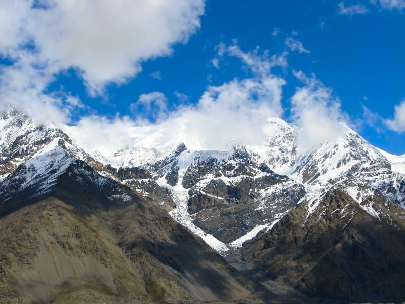 Picos elevados de Tien Shan 02 imagens de stock